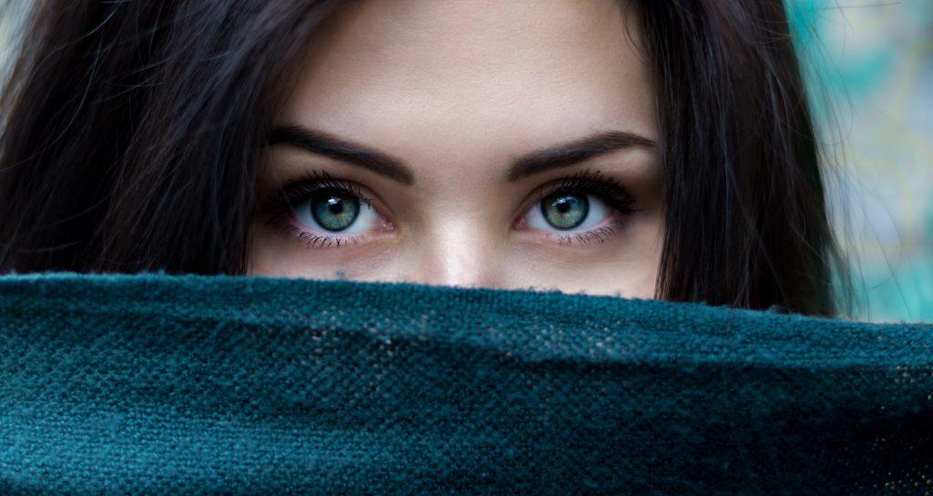 人間関係は人の目