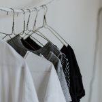クローゼットを整理するコツ、流行りの服は全捨てでOK