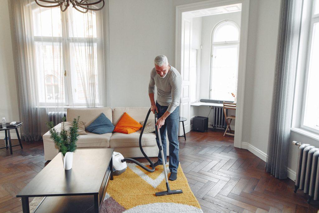 【掃除が面倒な人の掃除機の選び方2020】おすすめはたった一つです。吸引力?機能?それとも…。