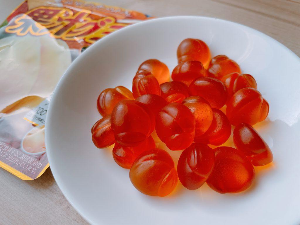 果汁グミ黄金桃のジューシー感は素晴らしい