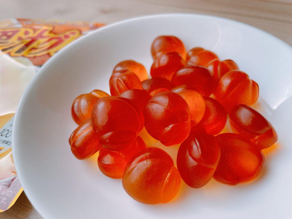 果汁グミ黄金桃は、食べたあとの後味が最高