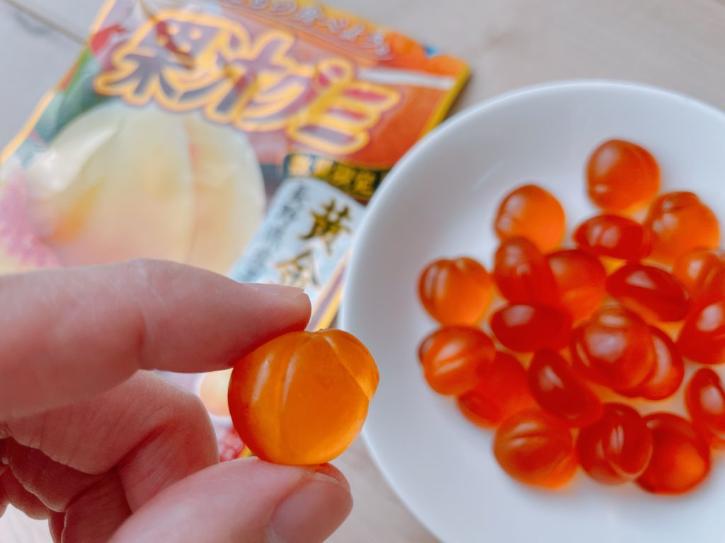 果汁グミ黄金桃の大きさ