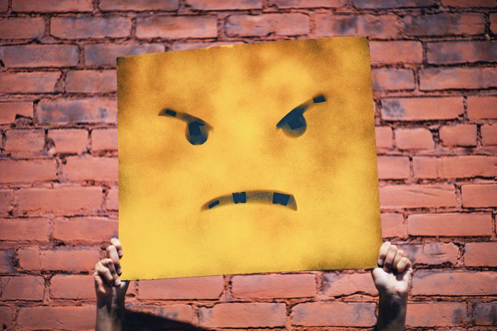 些細なことで怒っている人を止めてはいけない理由、そんなことで怒る?は禁句です。