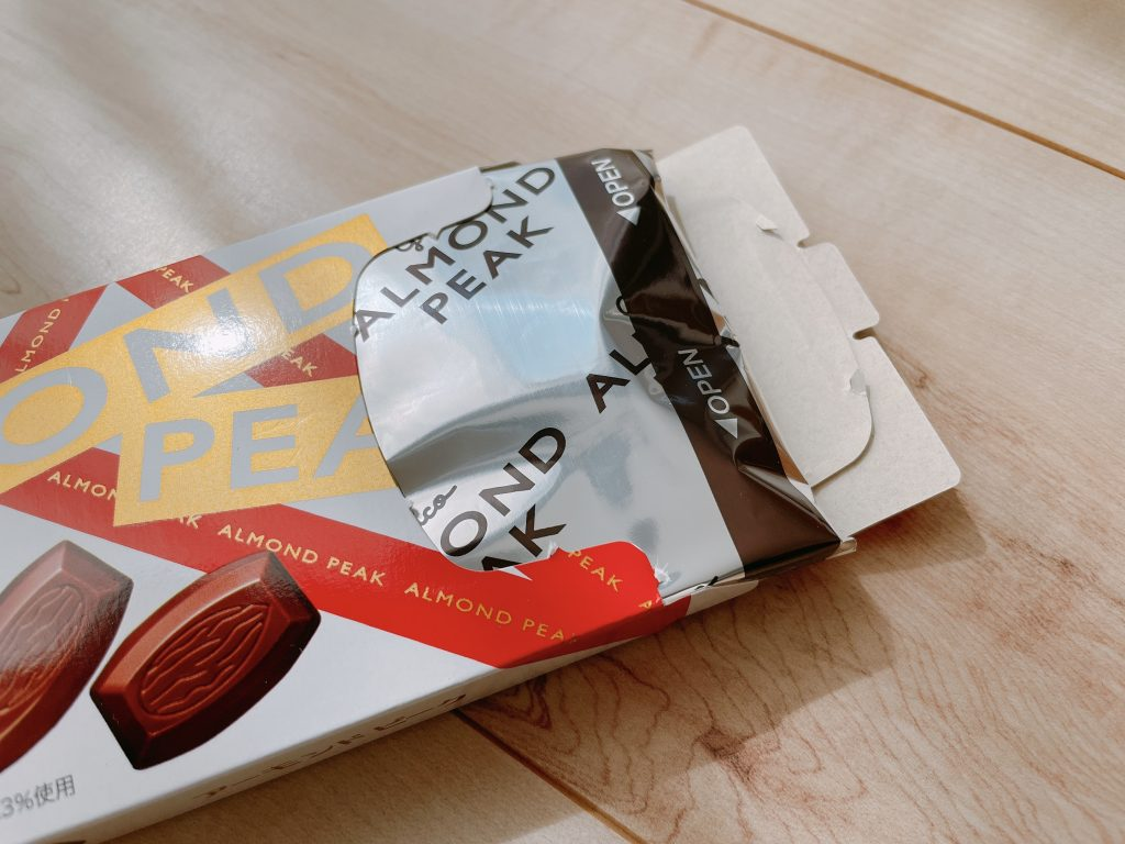 アーモンド・ピークは板チョコを連想させる