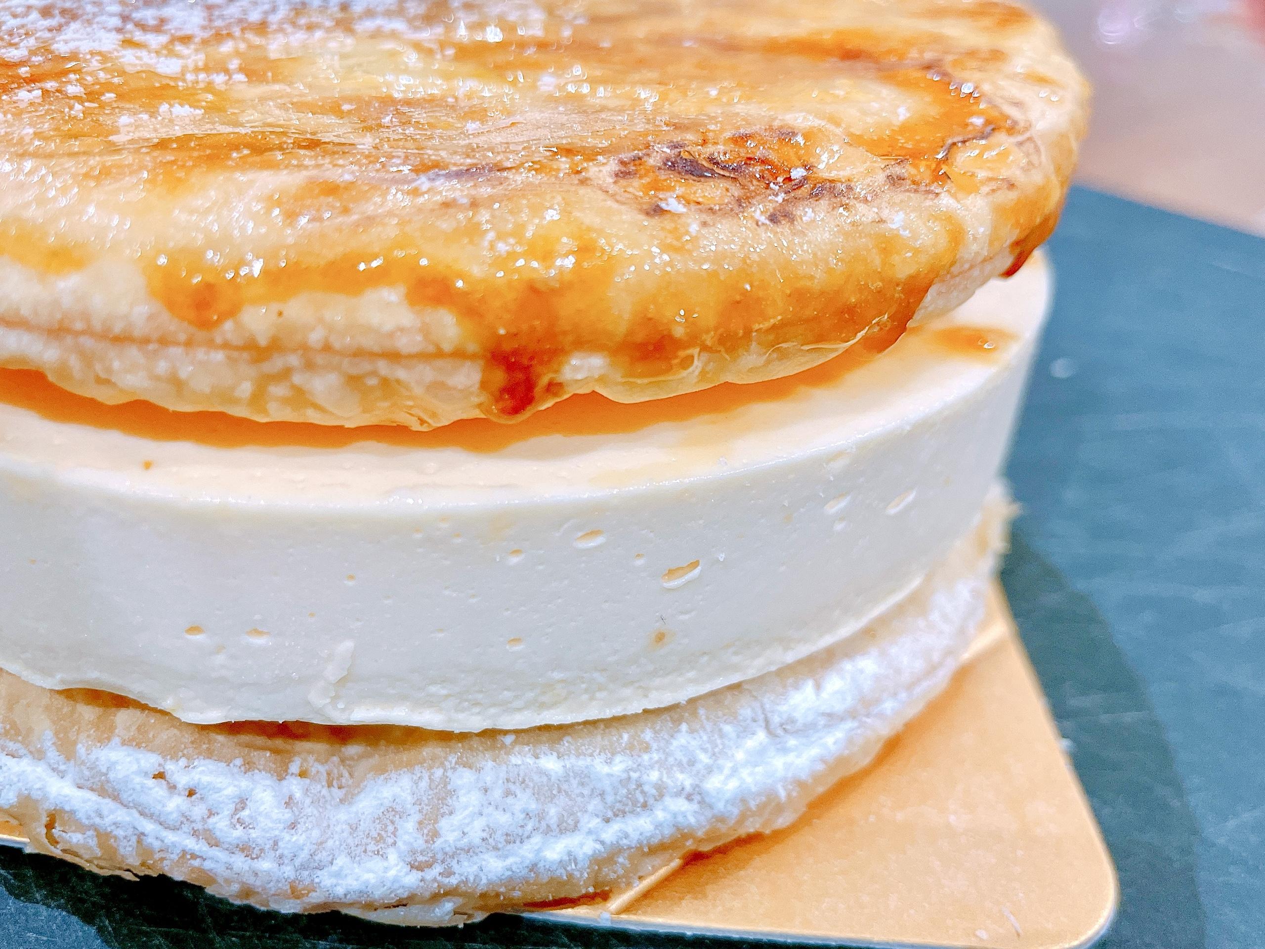 EGOAL(イーゴール)のブリュレチーズケーキの層
