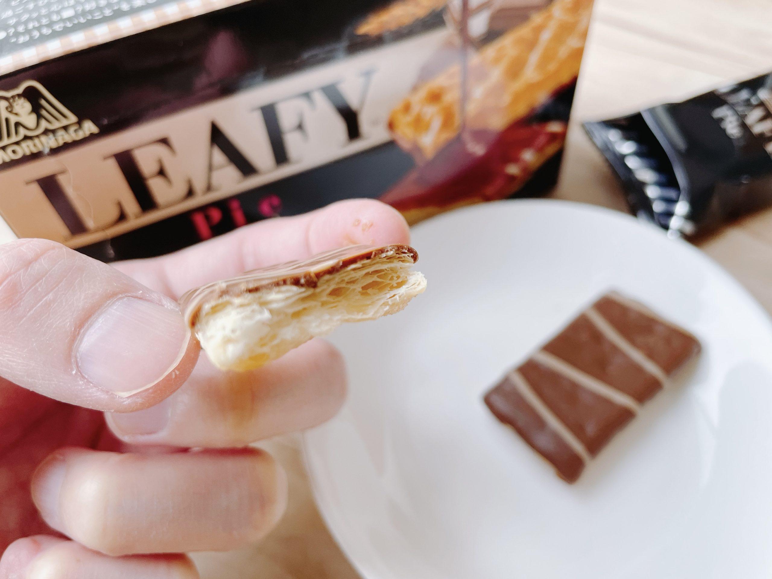 森永ビスケットのリーフィのチョコは薄がけされている