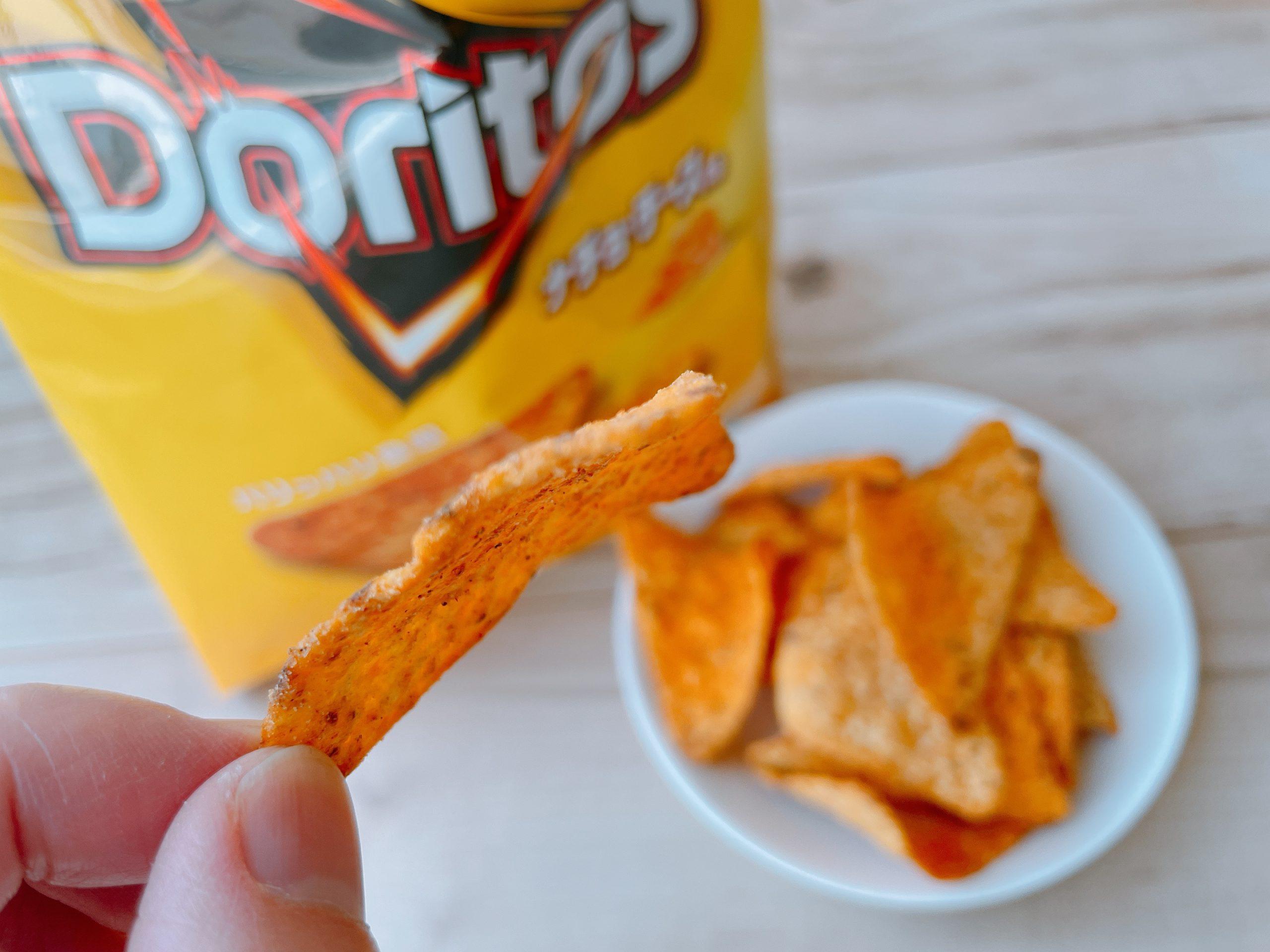 ドリトスのナチョ・チーズ味は、あとからクセがぐわっとくる