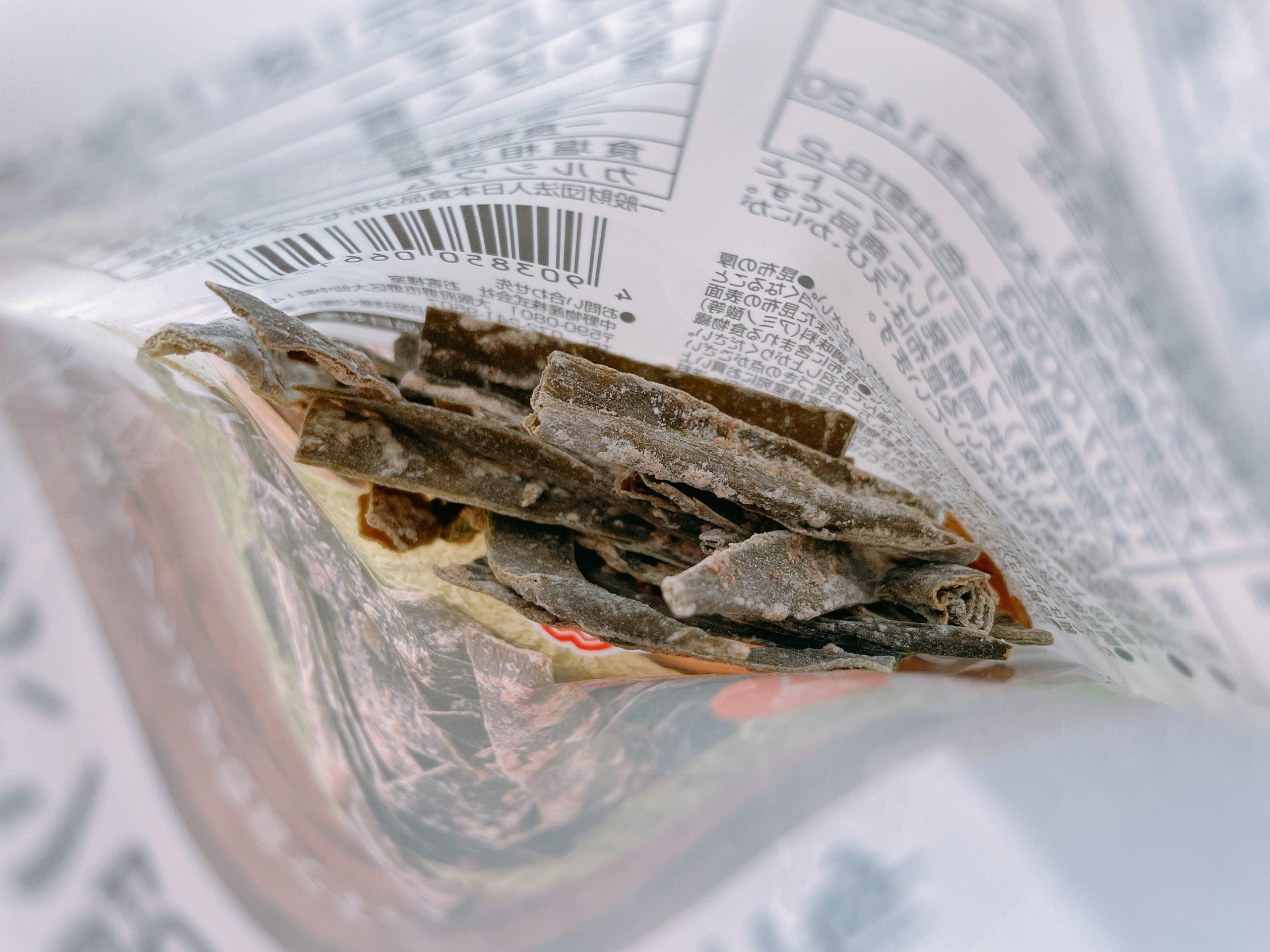 北海道産昆布を使用 おしゃぶり昆布紀州梅の酸っぱそうな、昆布の香り