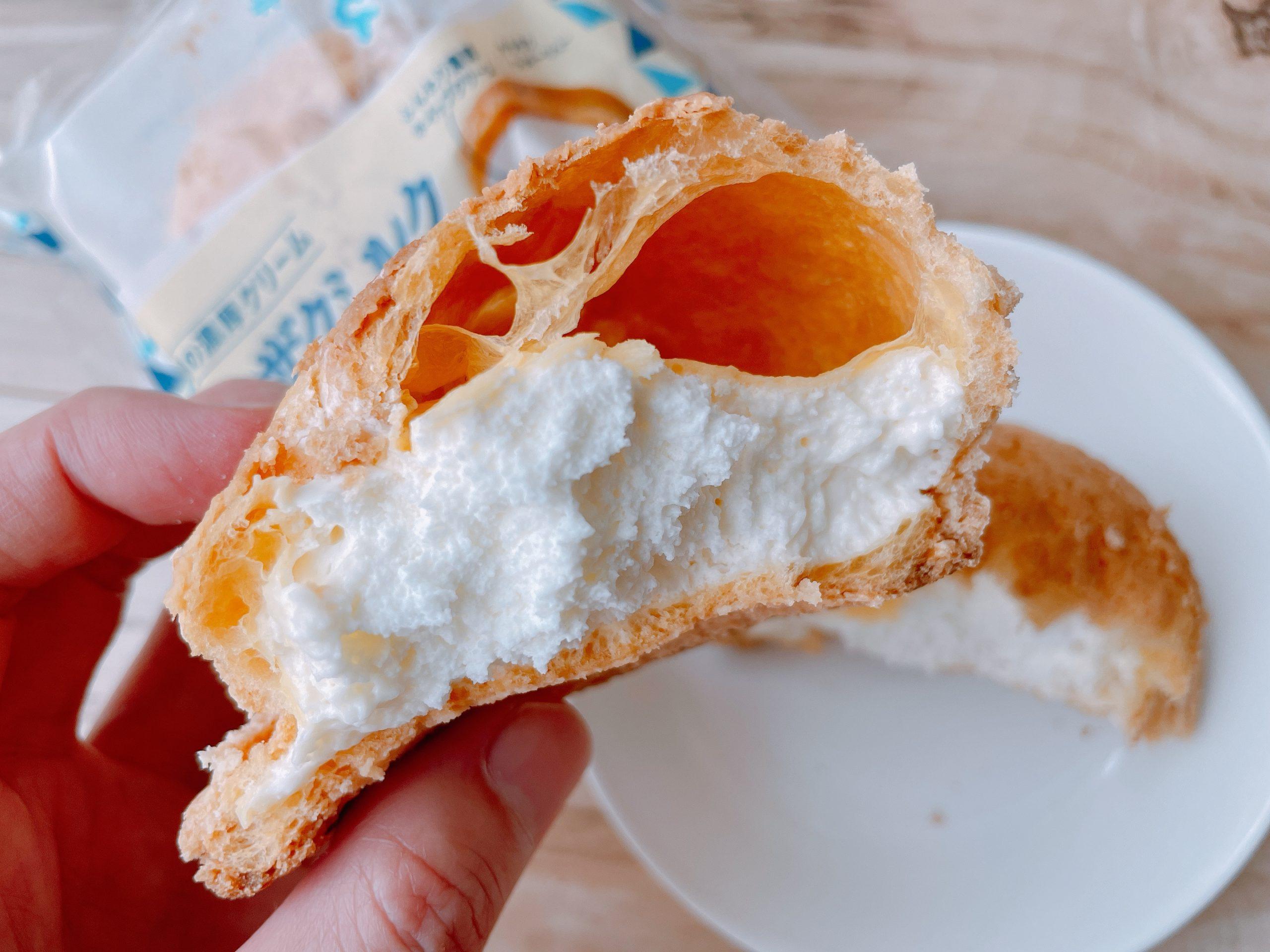 ザクザクミルククッキーシューは、甘さも申し分なく、クッキーの甘い香りと、ちょっとした香ばしさ、それにミルクの香りがいい